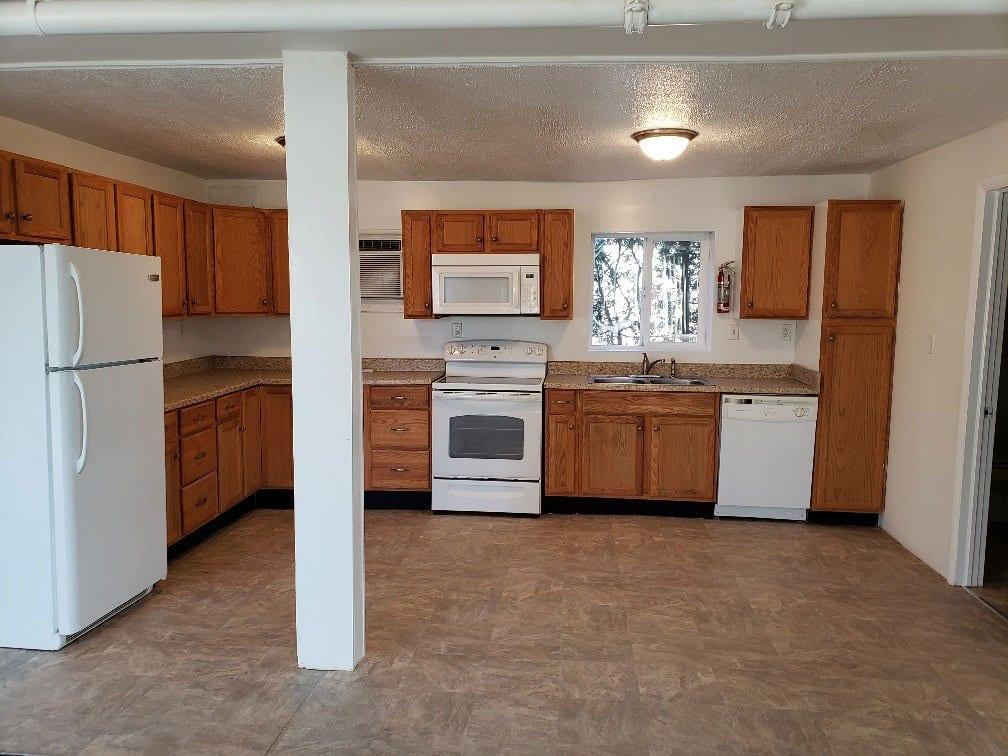 390-margaret-street-112-kitchen